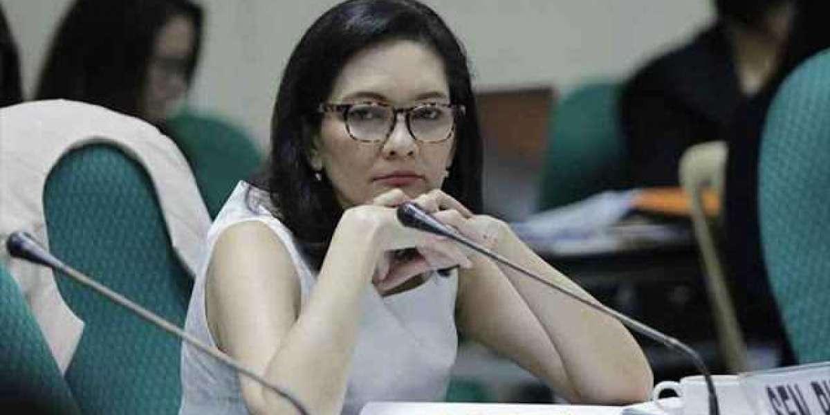 Lawyers urged Hontiveros to return P1.7B illegal bonuses of Philhealth during her term